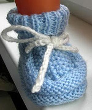 Как связать пинетки для новорожденных своими руками, спицами и крючком